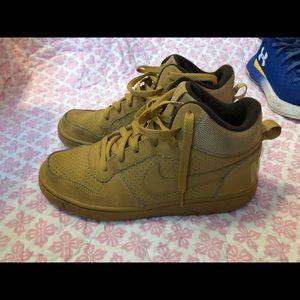 Boys shoe
